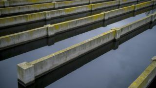 Pécs, 2016. március 7. A pécsi szennyvíztelep fertõtlenítõ medencéje 2016. március 7-én. Mintegy 5,7 milliárd forintos, vissza nem térítendõ fejlesztési támogatással újítják fel a pécsi vízszolgáltató, a Tettye Forrásház Zrt. szennyvíztisztító-telepét. MTI Fotó: Sóki Tamás