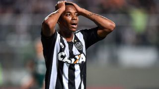 BELO HORIZONTE, BRAZIL - NOVEMBER 17: Robinho #7 of Atletico MG reacts during a match between Atletico MG and Palmeiras as part of Brasileirao Series A 2016 at Independencia stadium on November 17, 2016 in Belo Horizonte, Brazil. (Photo by Pedro Vilela/Getty Images)