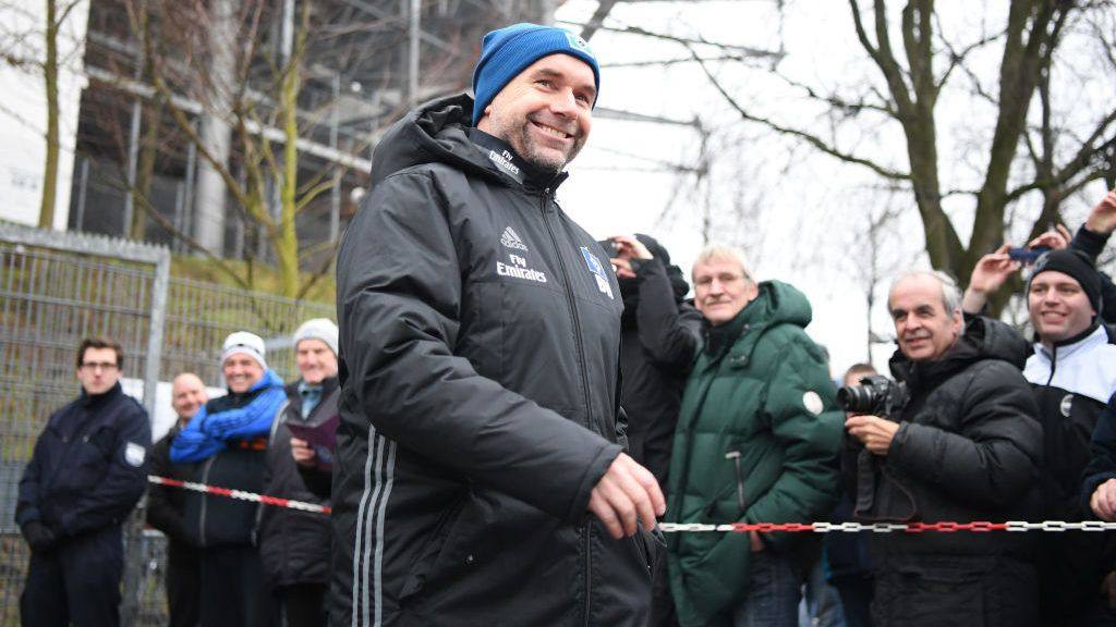 HAMBURG, GERMANY - JANUARY 22:  Bernd Hollerbach, new head coach of Hamburger SV looks on during a training session of Hamburger SV at Volksparkstadion on January 22, 2018 in Hamburg, Germany.  (Photo by Stuart Franklin/Bongarts/Getty Images)