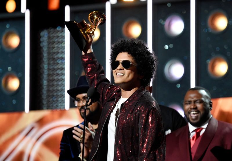 NEW YORK, NY - JANUARY 28:  Recording artist Bruno Mars accepts the award for Album of the Year during the 60th Annual GRAMMY Awards at Madison Square Garden on January 28, 2018 in New York City.  (Photo by Kevin Mazur/Getty Images for NARAS)