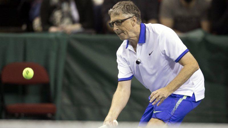 Seattle, 2017. április 30. Bill Gates, a Microsoft amerikai számítástechnikai társaság alapító elnöke a Match for Africa elnevezésû jótékonysági teniszmérkõzésen a seattle-i Key Arénában 2017. április 29-én. (MTI/EPA/Stephen Brashear)