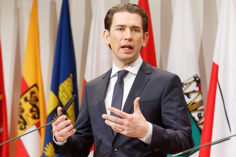 Leibnitz, 2018. január 5.Sebastian Kurz osztrák kancellár, az Osztrák Néppárt (ÖVP) elnöke az új osztrák kormány első ülése utáni sajtóértekezleten a stájerországi Leibnitz Seggau-kastélyában 2018. január 5-én. (MTI/EPA/Florian Wieser)