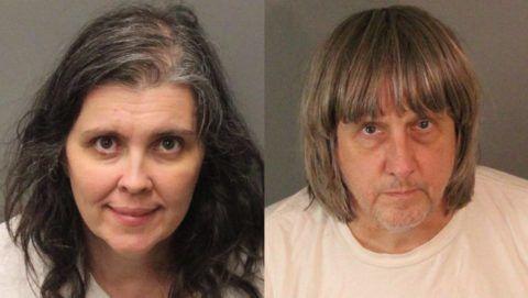 Perris, 2018. január 16. A Riverside megyei seriffi hivatal által 2018. január 16-án közreadott kombókép az 57 éves David Allen Turpinrõl és 49 éves feleségérõl, Louise Anna Turpinrõl. Az amerikai házaspárt január 14-én õrizetbe vették a kaliforniai Perrisben, ahol a családi házukban embertelen körülmények között, a világtól elzárva tartották tizenhárom, kettõ és huszonkilenc év közötti gyermeküket. A szülõket kínzással és gyermekeik veszélyeztetésével vádolják. (MTI/EPA/Riverside megyei seriffi hivatal)