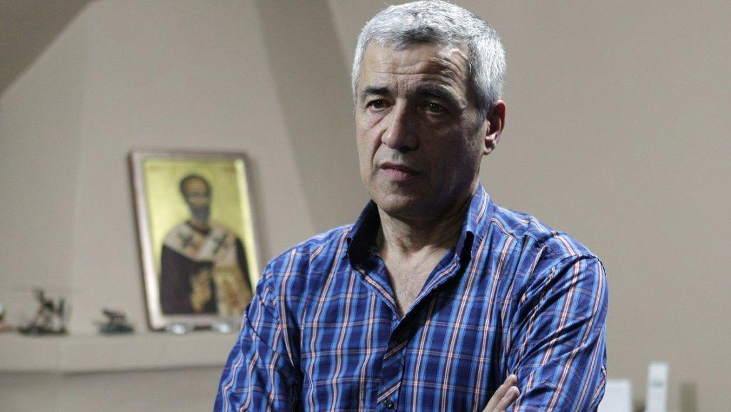 Belgrád, 2018. január 16. 2015. december 15-i kép Oliver Ivanovic koszovói szerb politikusról, volt államtitkárról egy belgrádi interjún. Ivanovicot 2018. január 16-án reggel ismeretlen tettesek hasba lõtték egy mozgó autóból egy pártház elõtt az észak-koszovói Kosovska Mitrovicában. A 64 éves politikus kórházban belehalt sérülésébe. (MTI/EPA/Andrej Cukic)