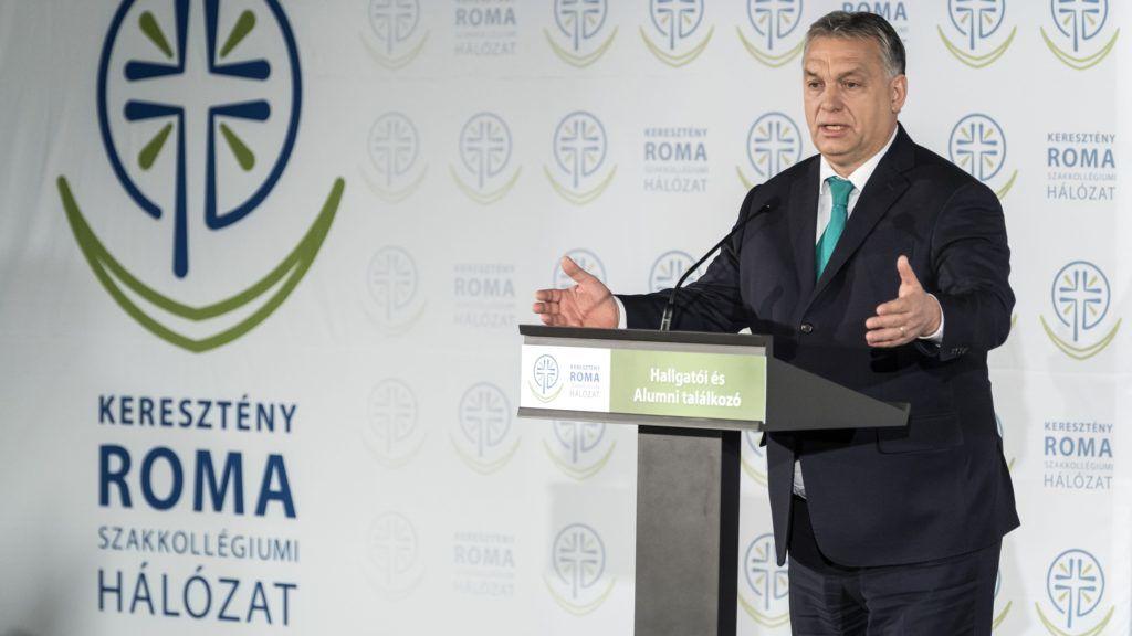 Budapest, 2018. január 20. Orbán Viktor miniszterelnök a Keresztény Roma Szakkollégiumi Hálózat hallgatói és alumnitalálkozóján a Magyar Tudományos Akadémia dísztermében 2018. január 20-án. MTI Fotó: Szigetváry Zsolt