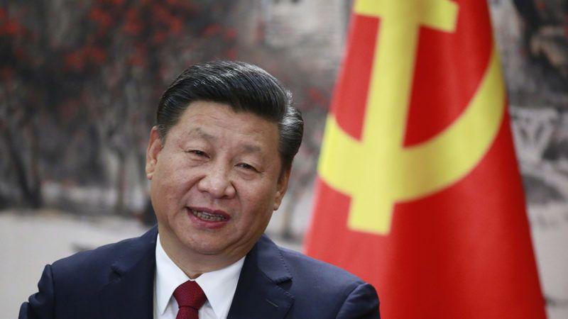 Peking, 2017. október 25.Hszi Csin-ping pártfőtitkár, kínai elnök a Kínai Kommunista Párt Politikai Bizottsága új Állandó Bizottságának tagjait bemutató sajtóértekezleten a pekingi Nagy Népi Csarnokban 2017. október 25-én, a KKP XIX. kongresszusának befejeződése utáni napon. (MTI/EPA/Hou Hvi Jung)