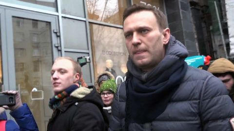 A still image taken from an AFPTV footage shows opposition leader Alexei Navalny attending a rally calling for a boycott of March 18 presidential elections, Moscow, January 28, 2018. / AFP PHOTO / Alexandra Dalsbaek