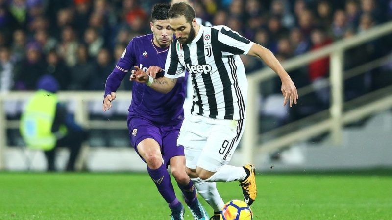 Giovanni Simeone of Fiorentina and Gonzalo Higuain of Juventus  during the serie A match between ACF Fiorentina and Juventus at Stadio Artemio Franchi on February 9, 2018 in Florence, Italy.   (Photo by Matteo Ciambelli/NurPhoto)