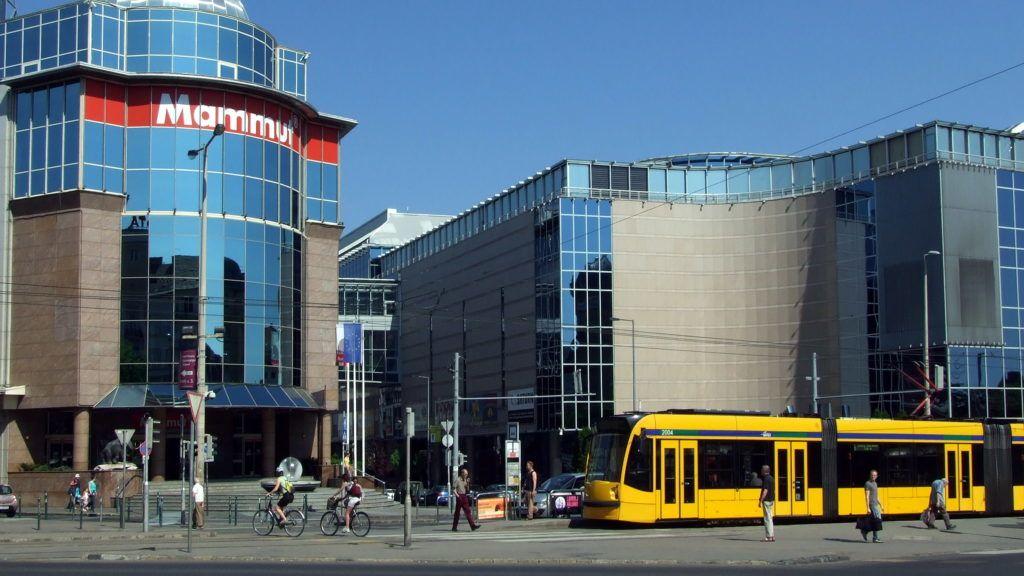 Budapest, 2012. május 1. A Mammut I. és II. üzletház (más néven: Mammut Bevásárló- és Szórakoztató Központ) a Széna téren. MTVA/Bizományosi: Jászai Csaba  *************************** Kedves Felhasználó! Az Ön által most kiválasztott fénykép nem képezi az MTI fotókiadásának, valamint az MTVA fotóarchívumának szerves részét. A kép tartalmáért és a szövegért a fotó készítõje vállalja a felelõsséget.