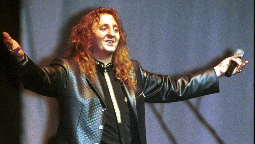 Archív felvétel: A Budapest Sportcsarnokban adott nagy sikerû koncertet Zámbó Jimmy. A képen: Zámbó Jimmy.
