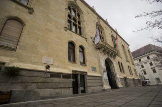 Budapest, 2015. december 18. A Nemzetgazdasági Minisztérium (NGM) leendõ épülete a Budai várban, a Szentháromság tér 6. szám alatt 2015. december 18-án. A budai Várnegyedben helyezi el a kormány a Belügyminisztériumot (BM) és az NGM-et. MTI Fotó: Balogh Zoltán