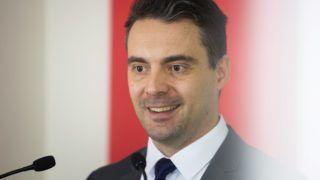 Budapest, 2017. február 18. Vona Gábor, a Jobbik elnöke sajtótájékoztatót tart az Országgyûlés Irodaházában 2017. február 18-án. A Jobbik nyolc évben maximálná, hogy valaki miniszterelnök lehessen Magyarországon - mondta a pártelnök. MTI Fotó: Mohai Balázs