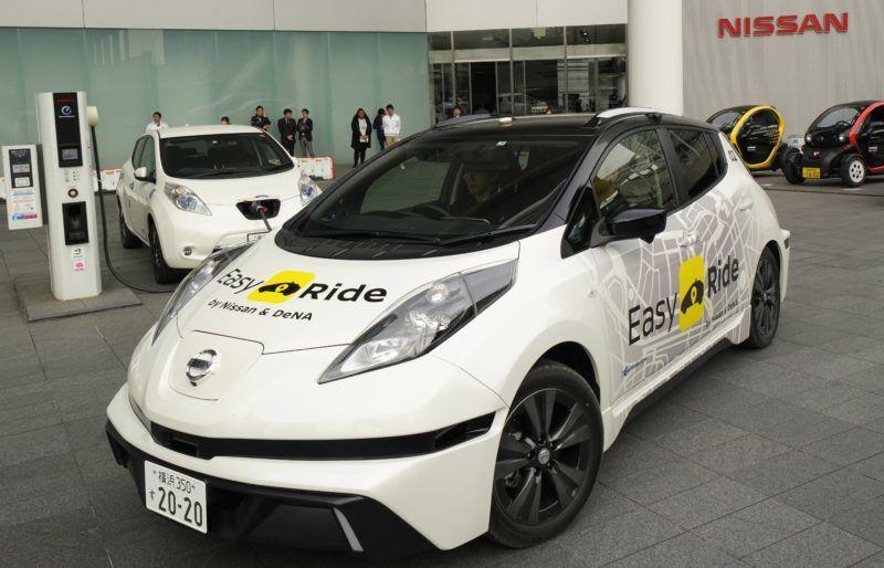 Jokohama, 2018. február 23. A Nissan Motor Easy Ride robottaxi-szolgáltatás tesztautója a japán jármûgyártó jokohamai központjában 2018. február 21-én. A Nissan Motor és a mobilszolgáltatásokat fejlesztõ és mûködtetõ DeNA japán cég közösen fejlesztette ki a mobiltelefonnal rendelhetõ, irányítható és fizethetõ robottaxi-szolgáltatást, amelynek márciusban kezdik meg a tesztelését a közutakon a Tokió melletti Jokohamában. (MTI/AP/Kambajasi Sizuo)