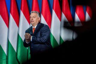 Rendesen kirámolta az uniós                              pénzeszsákot az Orbán-kormány