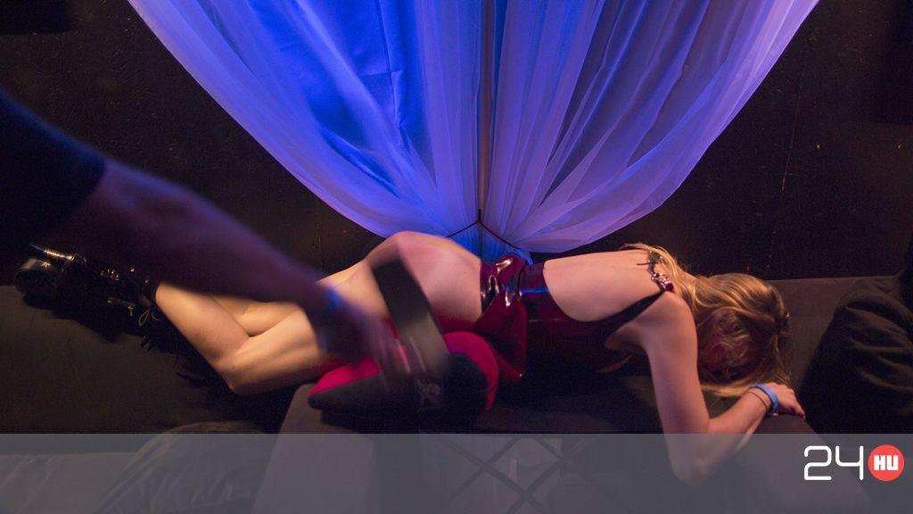 rabságban pornónagyon nagy fenyők