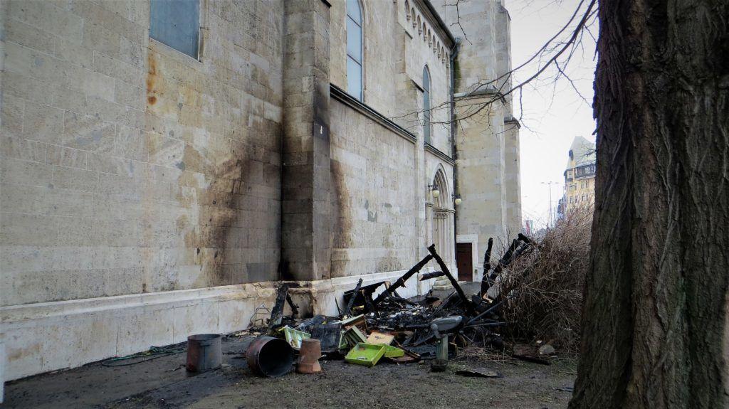 Gyújtogatás, vandalizmus Budapest egyik legnagyobb templománál