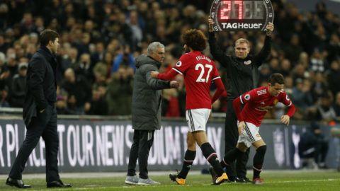 Mourinho Fellaininek: Írd alá és pofa be!