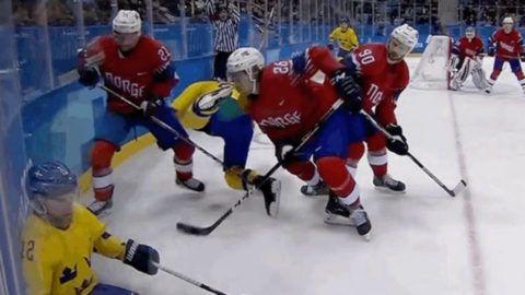 Ijesztő sérülés az olimpiai hokimeccsen – videó