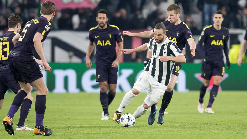 Gonzalo Higuain of Juventus and Eric Dier of Tottenham during the UEFA Champions League Round of 16, 1st leg football match between Juventus FC and Tottenham Hotspur on February 13, 2018 at Juventus Stadium in Turin, Italy - Photo Morgese - Rossini / DPPI