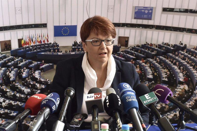 Budapest, 2017. szeptember 20.Ingeborg Grässle, az Európai Parlament költségvetési ellenőrző bizottságának vezetője sajtótájékoztatót tart a budapesti Európa Ponton 2017. szeptember 20-án.MTI Fotó: Máthé Zoltán