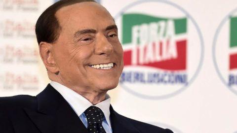 Milánó, 2017. november 26.Silvio Berlusconi volt olasz miniszterelnök, az ellenzéki jobbközép Forza Italia (Hajrá Olaszország) párt vezetője egy milánói pártgyűlésen 2017. november 26-án. (MTI/EPA/Flavio Lo Scalzo)