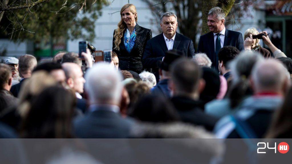 Padon taposva kampányolt Orbán Nyíregyházán