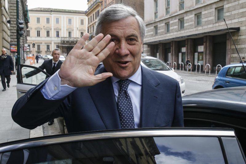 Róma, 2018. március 2. Antonio Tajani, az Európai Parlament olasz elnöke Rómában 2018. március 2-án. Az elõzõ nap Tajani bejelentette, hogy elfogadja a miniszterelnöki jelöltséget Silvio Berlusconitól, a választásokra készülõ Hajrá Olaszország (FI) párt vezetõjétõl. (MTI/EPA/Fabio Frustaci)