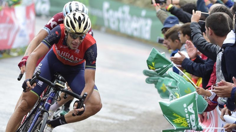 """Bahrain-Merida's Italian cyclist Vicenzo Nibali crosses the finish line of the 17th stage of the 72nd edition of """"La Vuelta"""" Tour of Spain cycling race, a 180.5 km route from Villadiego to Los Machucos in Arredondo, on September 6, 2017. / AFP PHOTO / JOSE JORDAN"""
