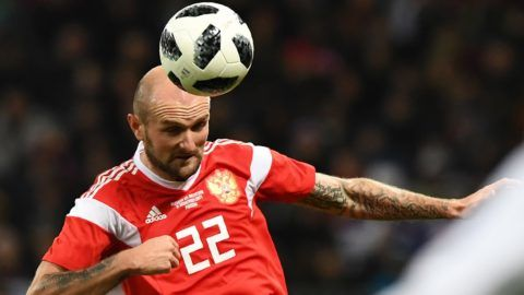 Russia's defender Konstantin Rausch controls the ball during an international friendly football match between Russia and Argentina at the Luzhniki stadium in Moscow on November 11, 2017. / AFP PHOTO / Kirill KUDRYAVTSEV