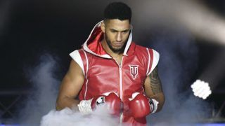 France's Tony Yoka arrives for his Heavy weight boxing bout against Belgium's  Ali Baghouz, on December 16, 2017 in Boulogne-Billancourt. / AFP PHOTO / CHRISTOPHE SIMON