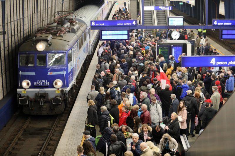 Lengyel csoport indult Varsóból a március 15-i ünnepségekre