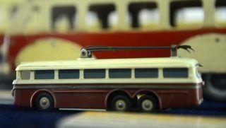 Budapest, 2013. december 18. A Troli'80 címû kiállítás részlete a budapesti Közlekedési Múzeumban 2013. december 18-án. Az elõtérben egy trolibuszmakett. MTI Fotó: Kovács Tamás