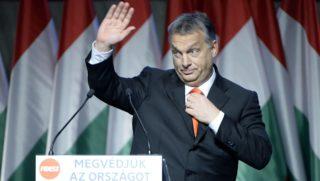 Budapest, 2015. december 13. Orbán Viktor miniszterelnök, a Fidesz elnöke beszédet mond a párt XXVI., tisztújító kongresszusán a budapesti Hungexpón 2015. december 13-án. MTI Fotó: Kovács Tamás