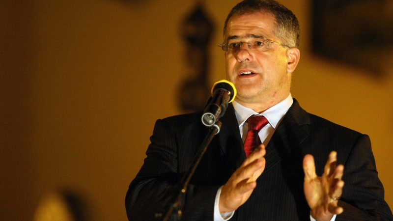 Szentes, 2012. október 22. Kósa Lajos, a Fidesz alelnöke beszédet mond Szentesen, az 1956-os forradalom 56. évfordulója elõestéjén tartott megemlékezésen, a református templom melletti kopjafánál 2012. október 22-én. MTI Fotó: Bugány János