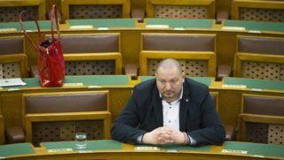 Budapest, 2016. március 29. Németh Szilárd, a Fidesz képviselõje az Országgyûlés plenáris ülésén 2016. március 29-én. MTI Fotó: Koszticsák Szilárd