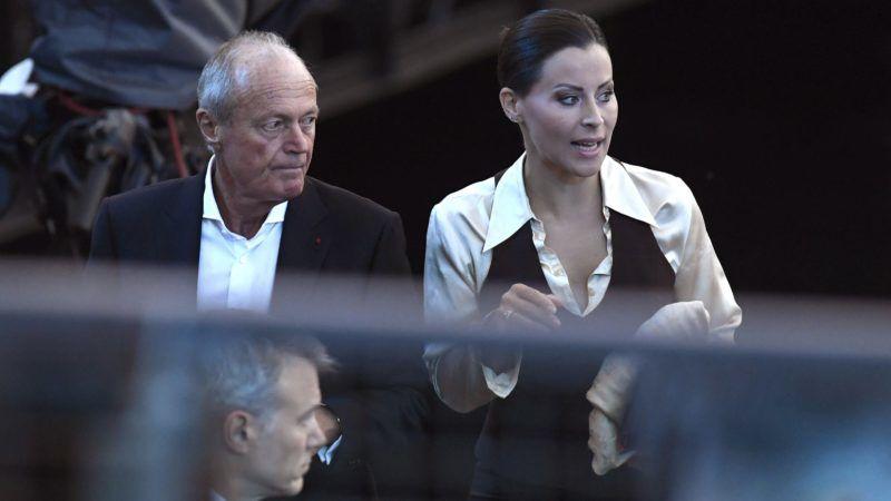 Budapest, 2017. július 14. Medgyessy Péter volt miniszterelnök és nevelt lánya, Tornóczky Anita a 17. vizes világbajnokság megnyitója elõtt a Lánchíd pesti hídfõjénél 2017. július 14-én. MTI Fotó: Koszticsák Szilárd