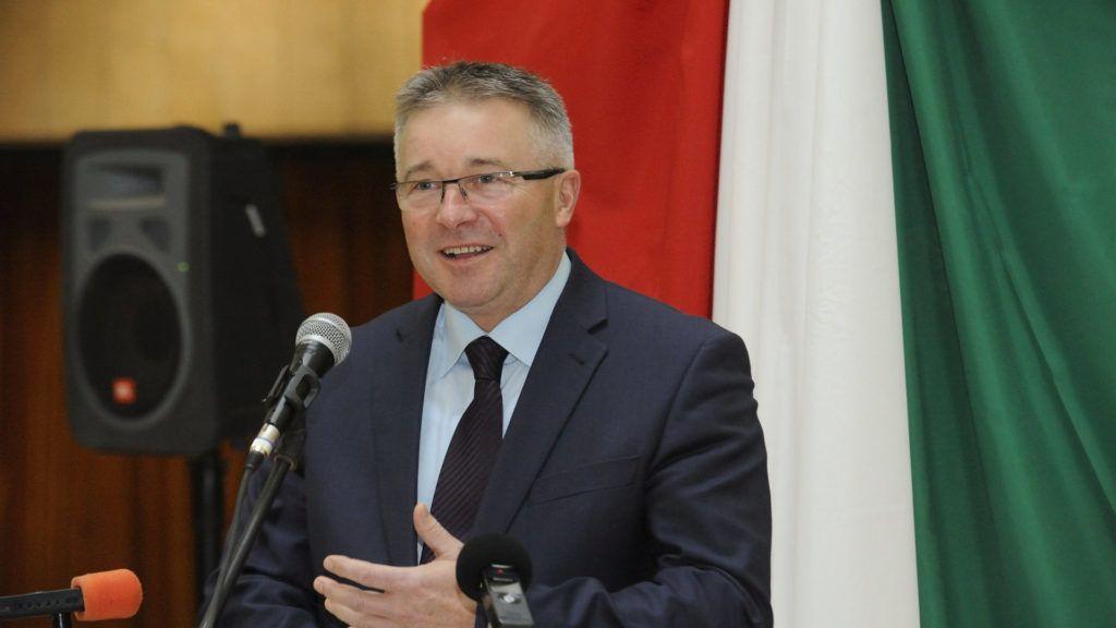 Húsz éve zajló kutatás miatt migránsozik a szegedi Fidesz