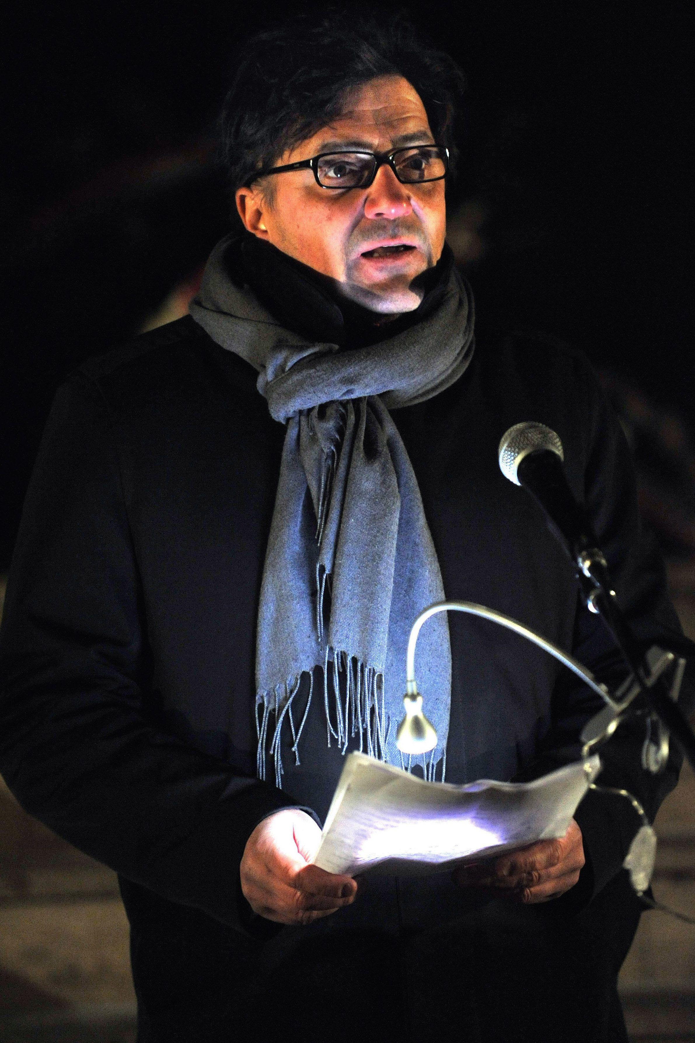 Budapest, 2011. február 25.Losonczy Pál, a Jobbik fővárosi képviselője beszédet mond a Petőfi híd budai lábánál található Memento emlékműnél, ahol a párt megemlékezést tartott a kommunizmus áldozatainak emléknapja alkalmából.MTI Fotó: Máthé Zoltán