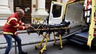 Budapest, 2017. június 7.Győrfi Pál az Országos Mentőszolgálat (OMSZ) szóvivője a szolgálat új mentőautóinak bemutatásán 2017. június 7-én. A húsz új mentőautó többsége a közép-magyarországi régió betegeit látja el.MTI Fotó: Bruzák Noémi