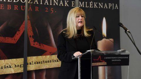 Budapest, 2018. február 25.Schmidt Mária, a Terror Háza Múzeum fõigazgatója beszédet mond a kommunizmus áldozatainak emléknapján a múzeumban rendezett megemlékezésen 2018. február 25-én.MTI Fotó: Bruzák Noémi