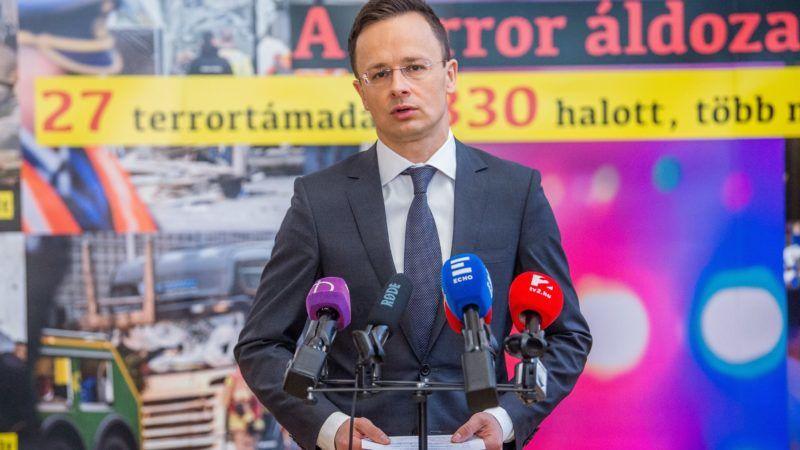 Budapest, 2018. március 22. Szijjártó Péter külgazdasági és külügyminiszter A terror áldozatai címmel tartott sajtótájékoztatóján a Külgazdasági és Külügyminisztériumban 2018. március 22-én. MTI Fotó: Balogh Zoltán