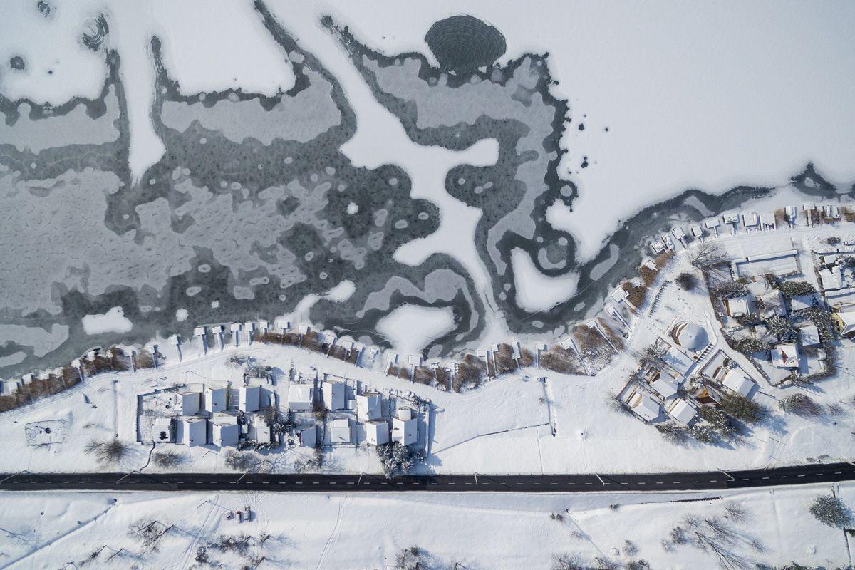 Orfű, 2018. február 28.Stégek Orfűn, a befagyott Pécsi-tó partján 2018. február 28-án.MTI Fotó: Sóki Tamás