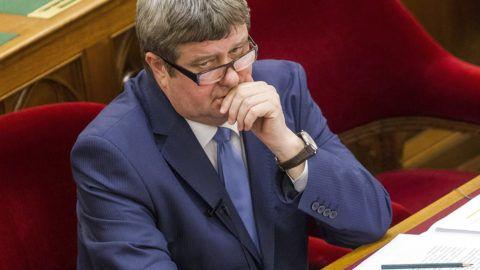 Budapest, 2017. március 20.Tállai András, a Nemzetgazdasági Minisztérium parlamenti és adóügyekért felelős államtitkára az Országgyűlés plenáris ülésén 2017. március 20-án.MTI Fotó: Szigetváry Zsolt