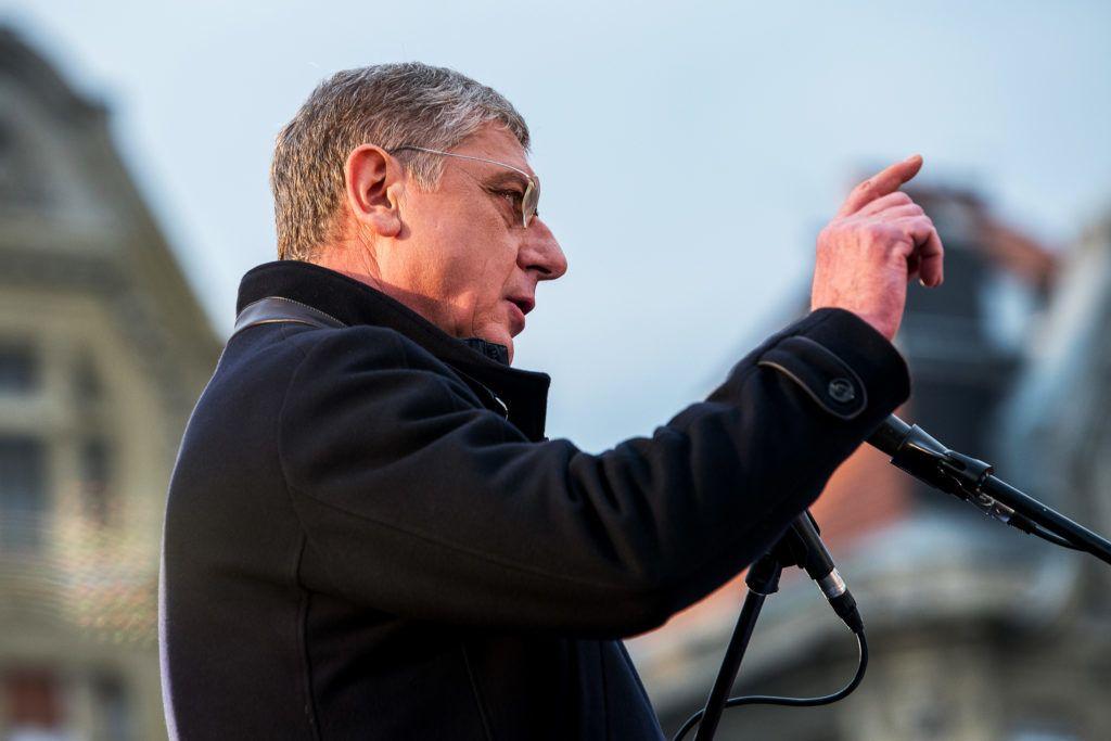 Gyurcsány veszélybe sodorja magát a Jobbik ölelésével