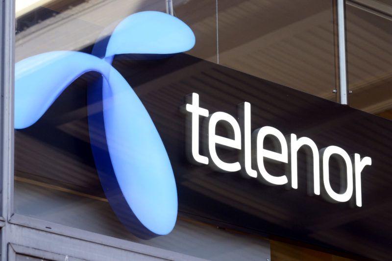 Göteborg, 2018. március 21.2013. március 14-i kép a Telenor norvég távközlési vállalat logójáról egy üzlethelyiségben, Göteborg svéd város központi pályaudvarán. A Telenor-csoport 2018. március 21-én bejelentette, hogy eladja 2,8 milliárd euróért a közép-kelet-európai leányvállalatait, köztük a Telenor Magyarország vállalatot a cseh PPF-csoportnak, amely a közép-kelet-európai térség legnagyobb magántőke-befektetője. (MTI/EPA/Mauritz Antin)