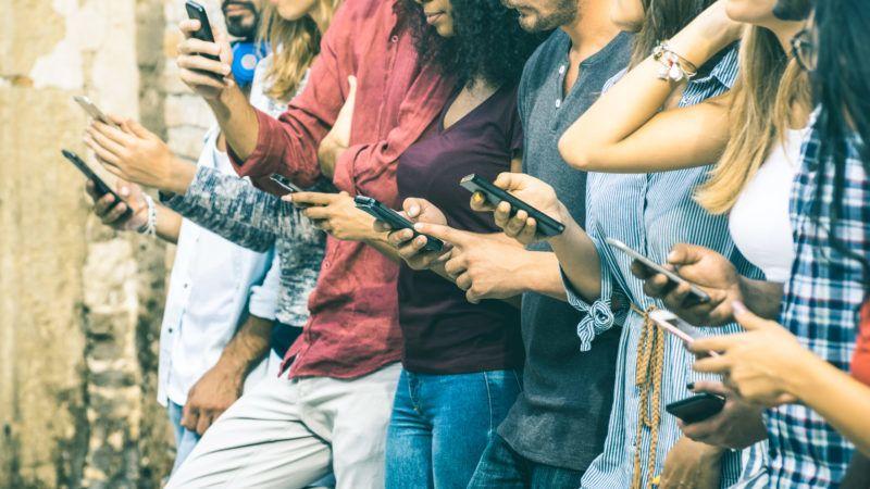 médiafogyasztás, mobil, facebook