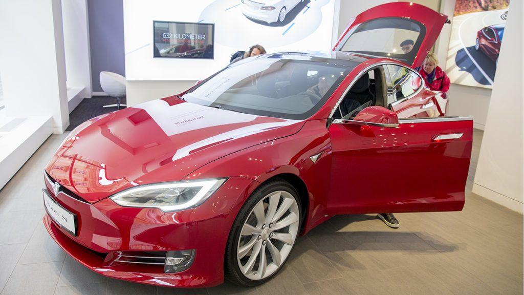 Tesla Model S electric automobile inside a Tesla Inc. store in Vienna, Austria, on September 16, 2017. (Photo by Manuel Romano/NurPhoto via Getty Images)