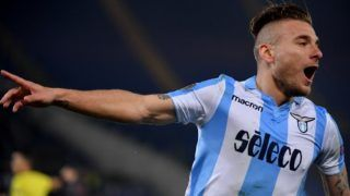 Lazio's midfielder from Italy Ciro Immobile celebrates after scoring during the UEFA Europa League quarter final first leg football match between SS Lazio and FC Salzburg on April 5, 2018 at the Olympic stadium in Rome. / AFP PHOTO / TIZIANA FABI