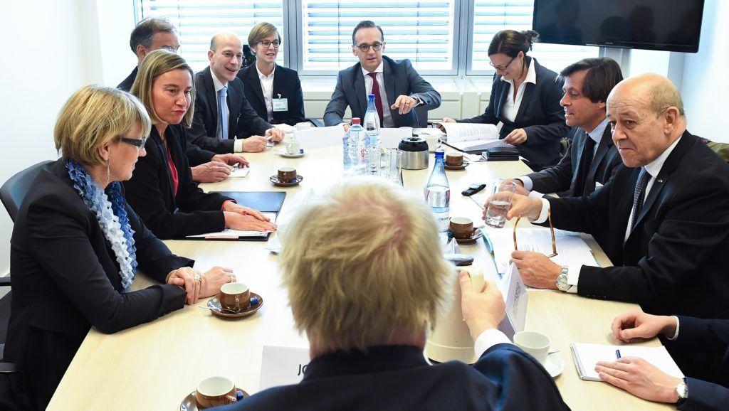 Germany's Foreign Minister Heiko Maas (C), Britain Foreign Secretary Boris Johnson (C,back), France's Foreign Minister Jean-Yves Le Drian (R) and EU foreign policy chief Federica Mogherini (2L) meet prior to attend an EU foreign affairs council in Luxembourg on April 16, 2018.   / AFP PHOTO / POOL / Emmanuel DUNAND