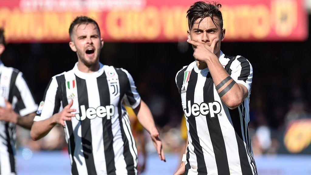 Paulo Dybala of Juventus celebrates scoring third goal during the Serie A match between Benevento and Juventus at Ciro Vigorito Stadium, Benevento, Italy on 7 April 2018.  (Photo by Giuseppe Maffia/NurPhoto)